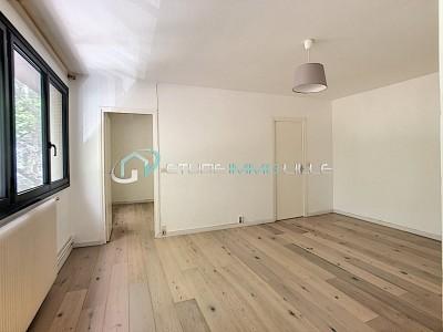 APPARTEMENT T2 A VENDRE - LILLE GARE - 44,65 m2 - 189000 €