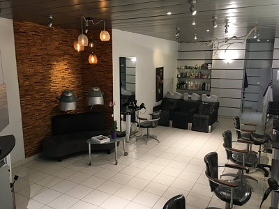 LOCAL COMMERCIAL A VENDRE - LOMME CANTELEU - 52 m2 - 260 000 €