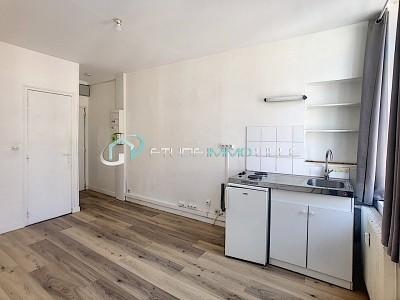 STUDIO A LOUER - LILLE SEBASTOPOL - 17,8 m2 - 410 € charges comprises par mois