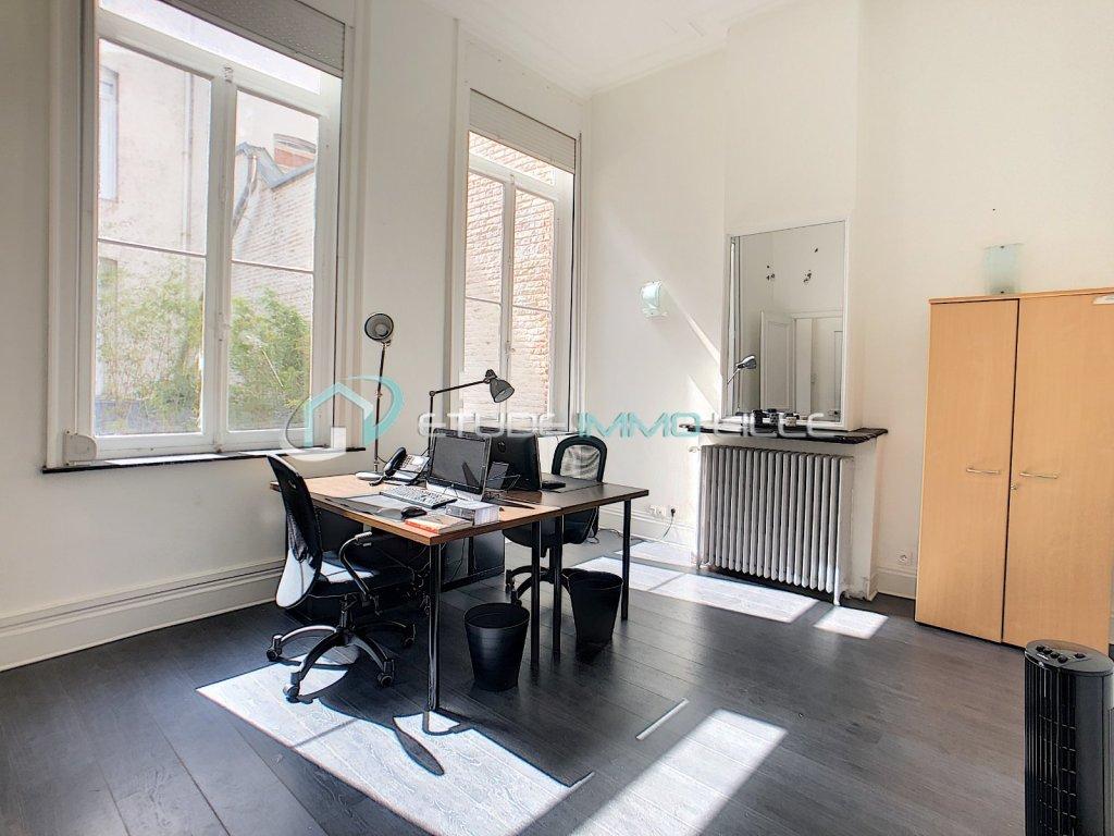 Maison de TYPE 2 + TERRASSE loué en bureau A VENDRE - LILLE REPUBLIQUE - 53,4 m2 - 246750 €