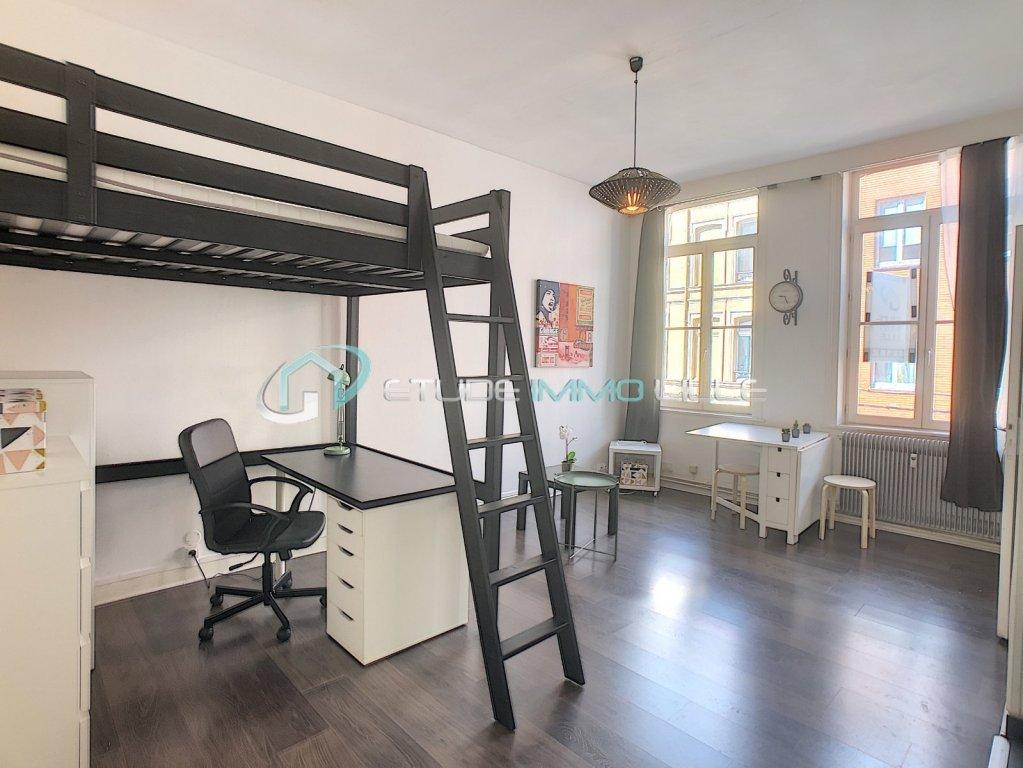 STUDIO A LOUER - LILLE SEBASTOPOL - 24,5 m2 - 590 € charges comprises par mois