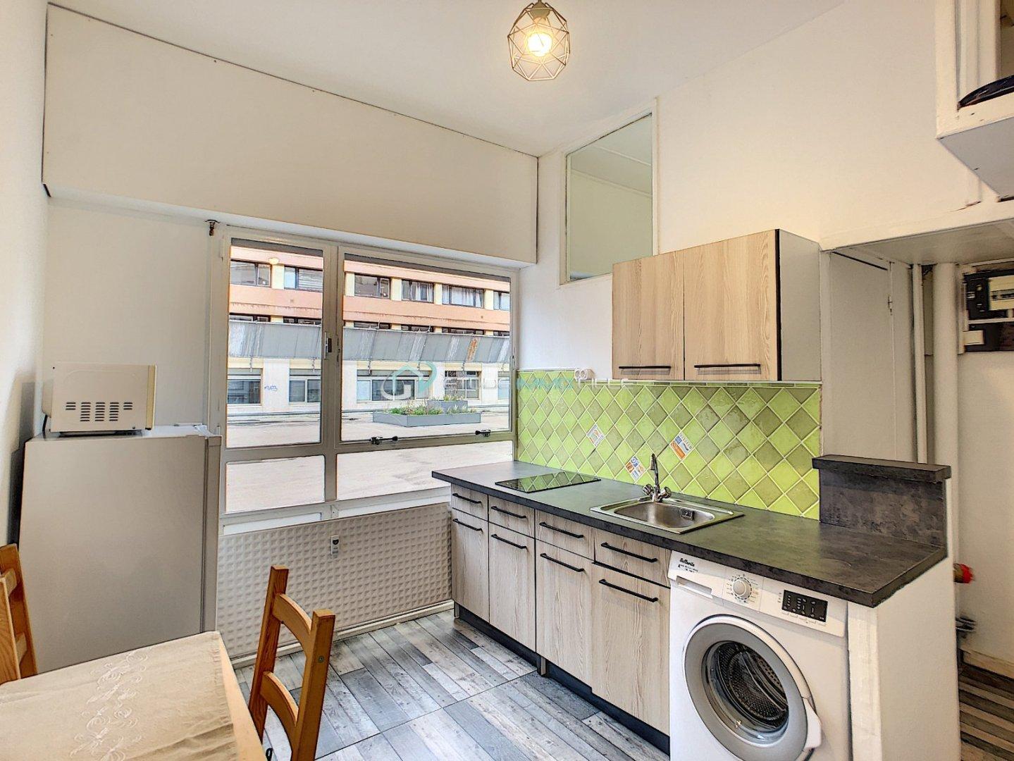 STUDIO A VENDRE - LILLE GARE - 13 m2 - 79500 €