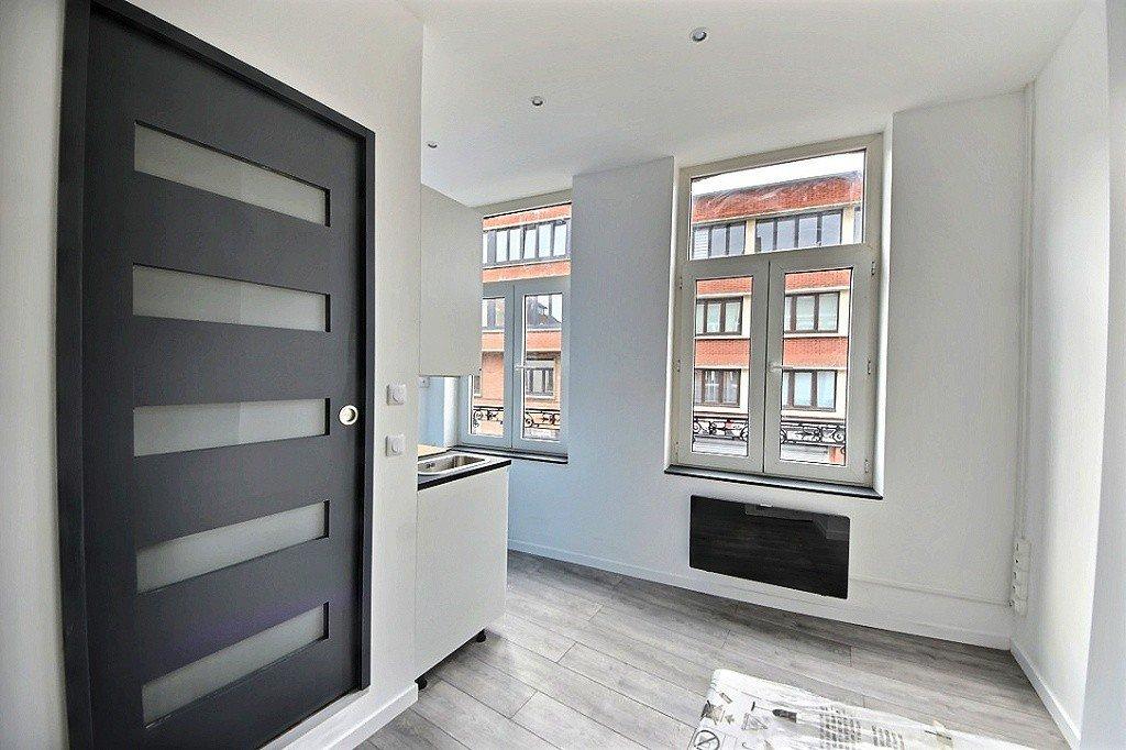 STUDIO A VENDRE - LILLE MOULINS - 14,98 m2 - 75000 €