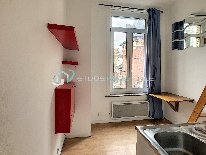 STUDIO A VENDRE - LILLE REPUBLIQUE - 12,78 m2 - 69000 €