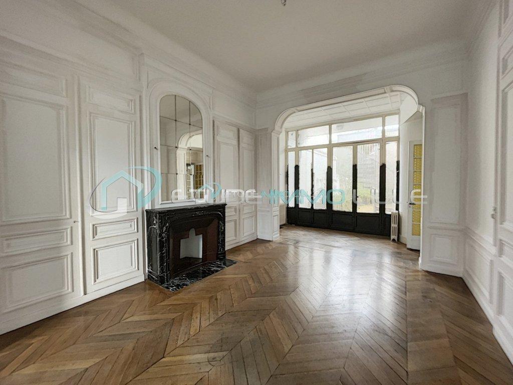 IMMEUBLE A VENDRE - LILLE VAUBAN - 297 m2 - 1�2�0 €